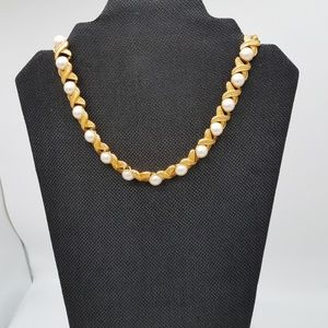 NAPIER FAUX PEARL NECKLACE GOLD TONED 17 INCHES